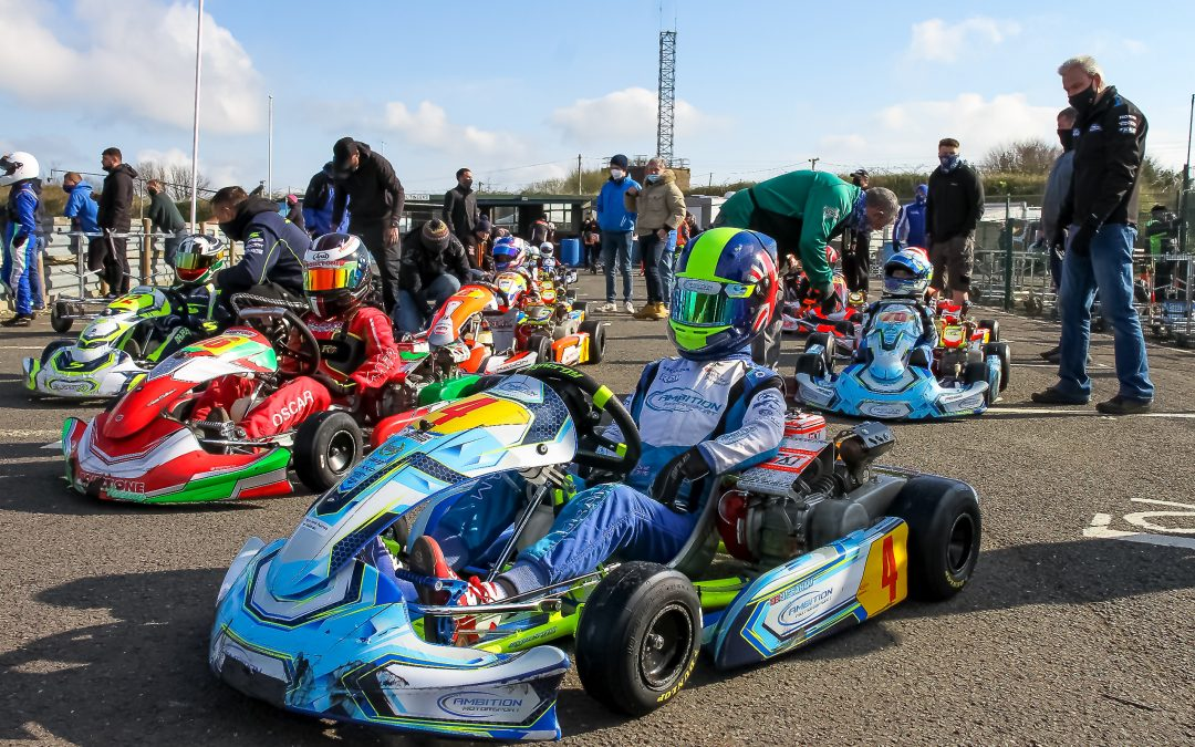 Graham beats Neave to take his first win of the season